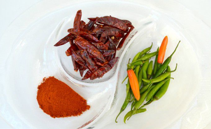 chili-dried-red-and-fresh-green